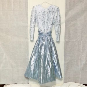 Size 6 Silver-Blue with White lace